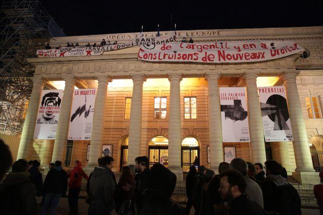 Les intermittents occupent le théâtre de l'Odéon à Paris
