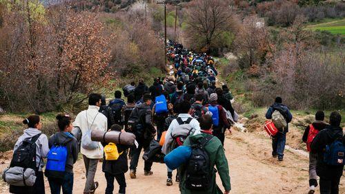 """Épisode 4 : Ce qui se joue à Calais: """"Il faut absolument changer de paradigme et envisager d'accueillir ces réfugiés"""""""