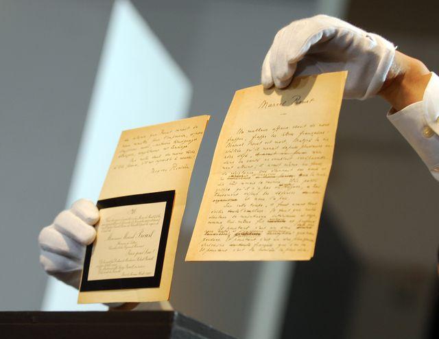 Des manuscrits, des photographies et des correspondances de Marcel Proust seront mis aux enchères, aujourd'hui à Sotheby's.