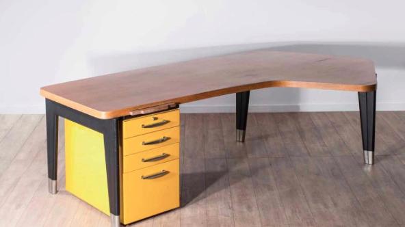 des meubles du nanc ien jean prouv aux ench res paris. Black Bedroom Furniture Sets. Home Design Ideas