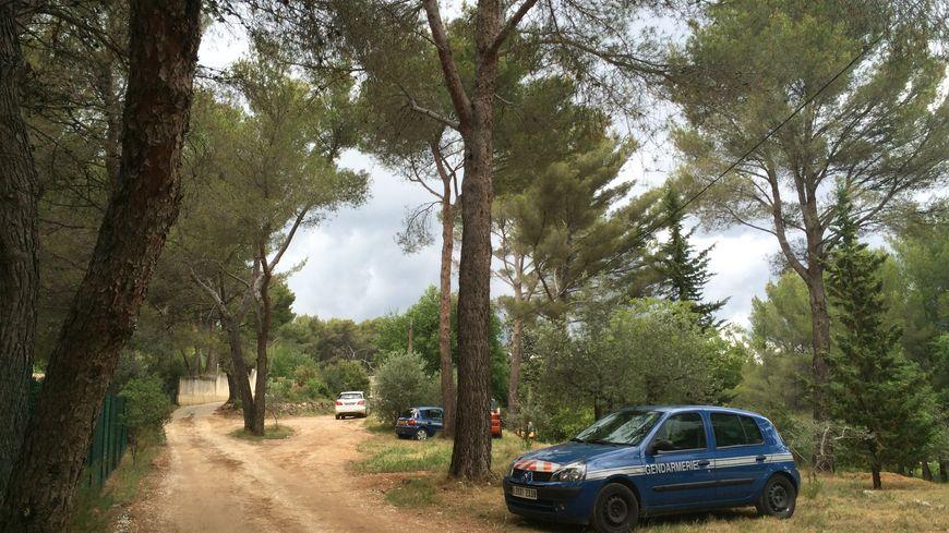 La maison cambriolée se trouve sur une colline escarpée de Roquevaire.