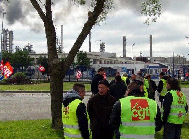 La grève affecte légèrement la deuxième raffinerie de France, celle d'ExxonMobil, située sur la commune de Notre-Dame de Gravenc