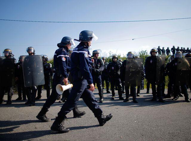 Les forces de l'ordre ont notamment débloqué ce vendredi le dépôt de carburant près de la raffinerie de Donges.