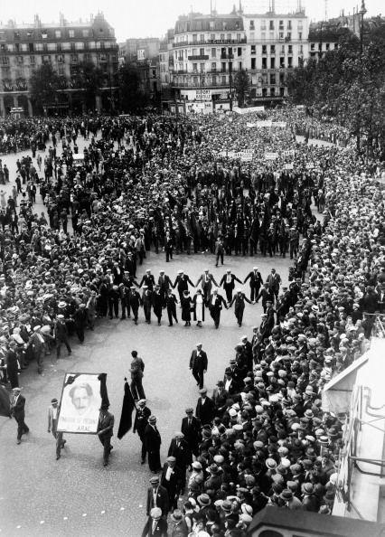 Parade du Front Populaire lors de la fête nationale française en 1936