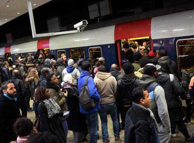 Trois syndicats sur quatre ont appelé à la grève illimitée dans le secteur ferroviaire à partir de ce mercredi