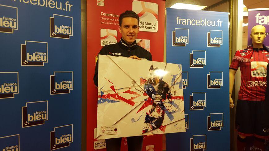 Adrien Hunou récompensé dans les locaux de France Bleu Pays d'Auvergne