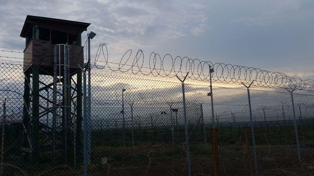 Un des anciens camps qui sert aujourd'hui à l'administration. Il reste encore 80 détenus à Guantanamo