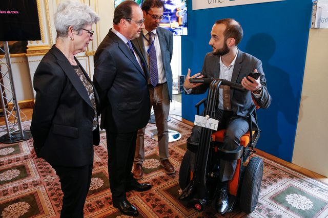 Hollande conférence handicap