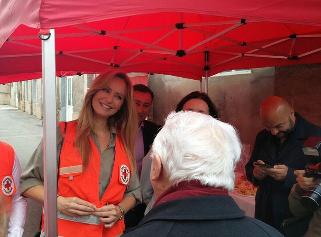Adriana Karambeu est ambassadrice de la Croix-Rouge depuis 16 ans