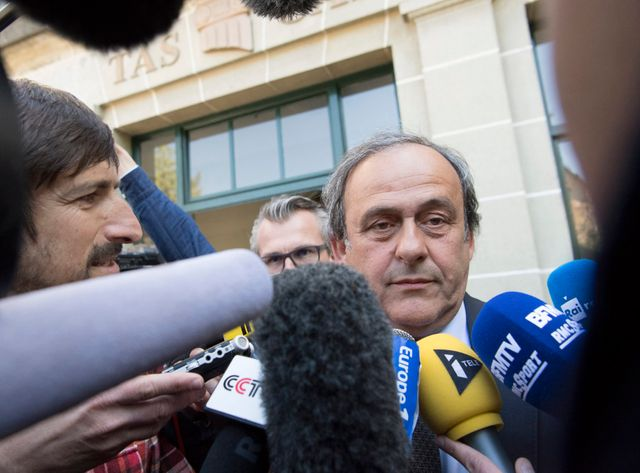 Michel Platini à sa sortie du TAS en avril
