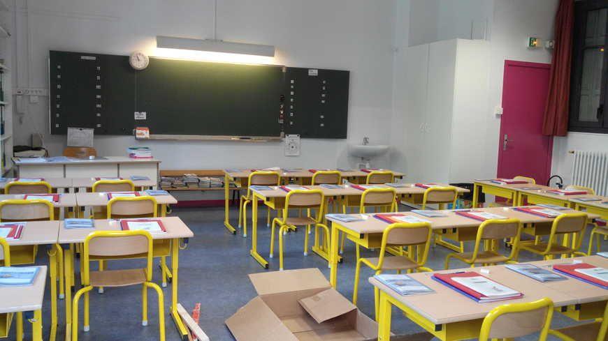 Une salle de classe dans une école stéphanoise