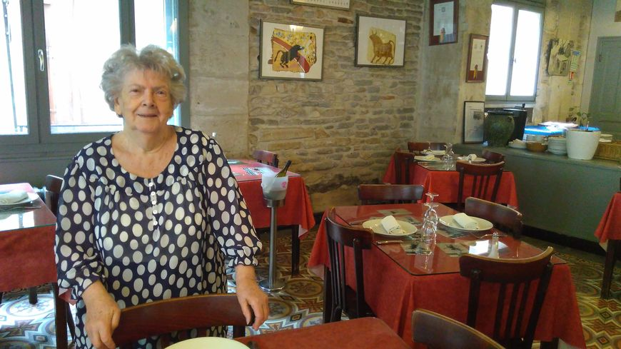 Etiennette Martin est propriétaire du restaurant Nicolas à Nîmes, depuis 55 ans.