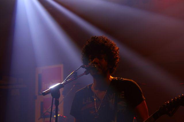 Gabriel Sullivan, chanteur du groupe américain Xixa