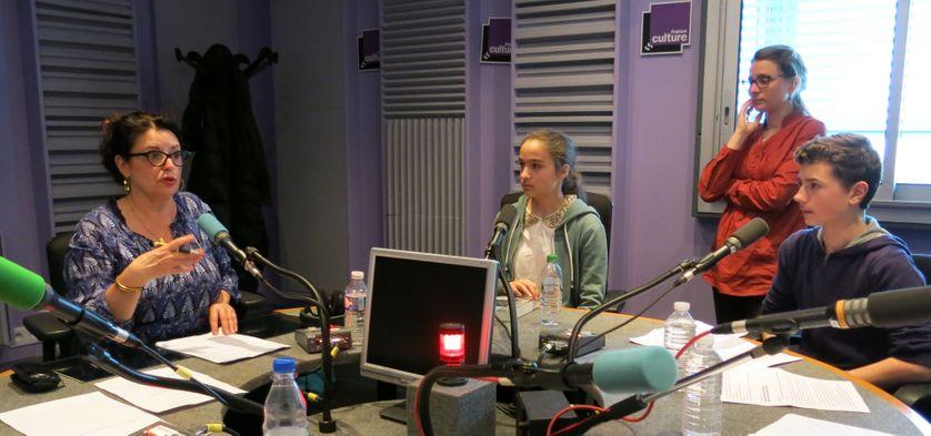France Culture, studio 153... Aline Pailler, Lucie, Elodie & Elie (de g. à d.)