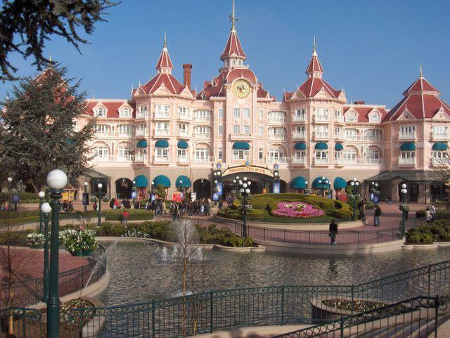 Le monde magique de Disney cache-t-il des pratiques d'embauche discriminatoires?