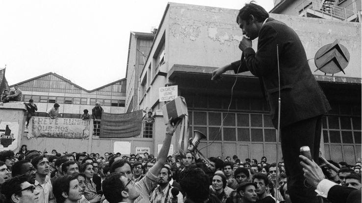 Manifestation de l'UNEF devant Citroën le 01/06/1968.