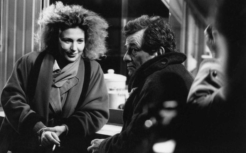 """Solveig Dommartin et Peter Falk, tournage du film """"Les ailes du désir"""", 1987."""