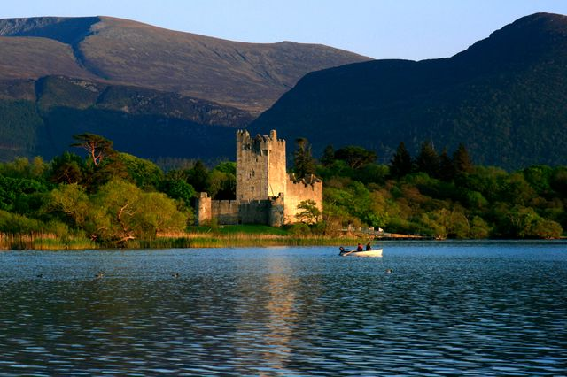 Ross Castle à Lough Leane (Killarney, Kerry, Irlande)
