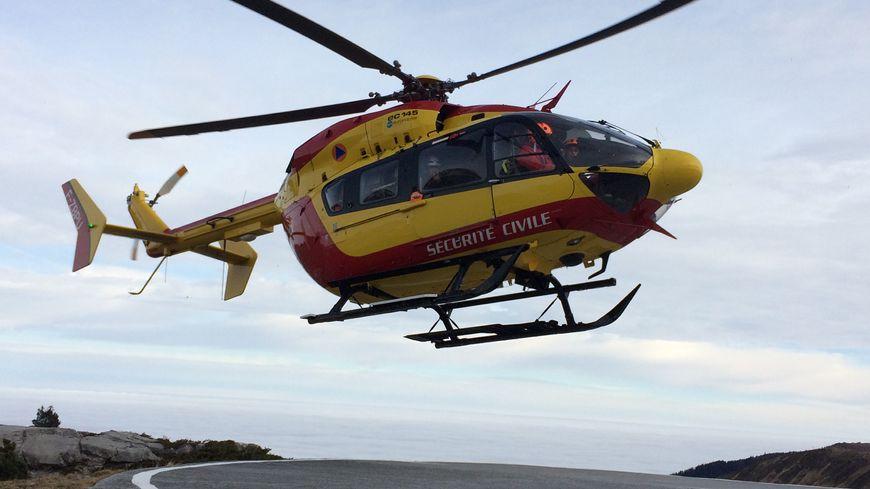 L'hélicoptère Dragon 64 de la gendarmerie a participé aux recherches