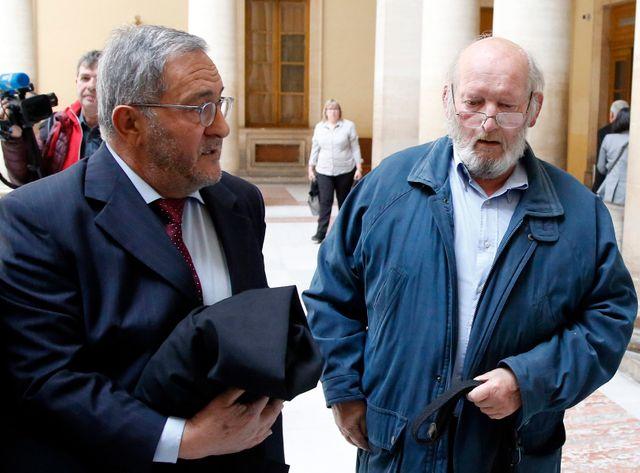Jean-Claude Mas avec son avocat (à gauche)