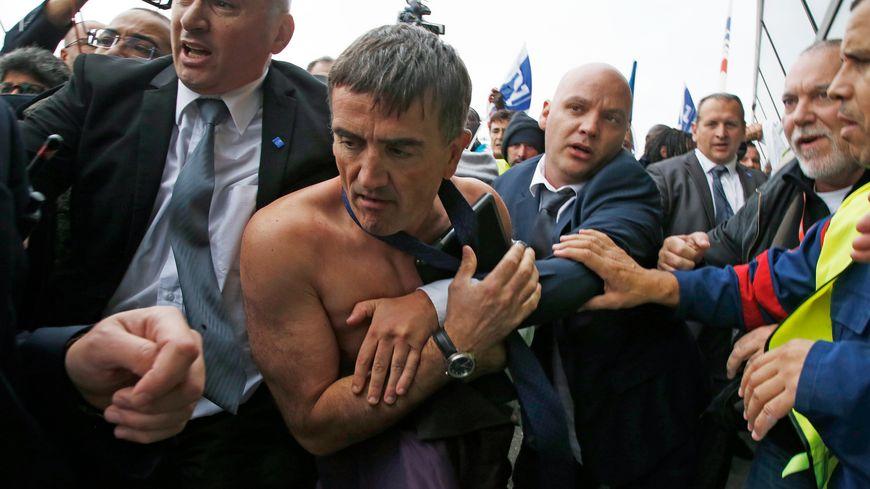 Le DRH d'Air France s'était fait arracher sa chemise lors d'un CCE.