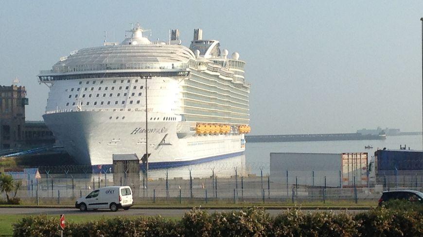 L'Harmony of the Seas va rester toute la journée de vendredi à Cherbourg