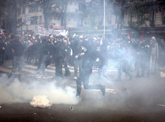 Violences lors de la manifestation contre la lio travail, le 12 mai à Paris