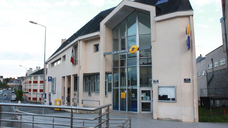Deux bureaux de poste bientôt fermés à laval