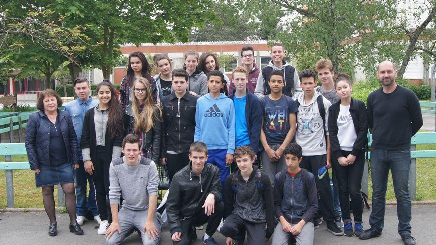 Les troisièmes du collège Le Lac participent aux commémorations de Verdun.