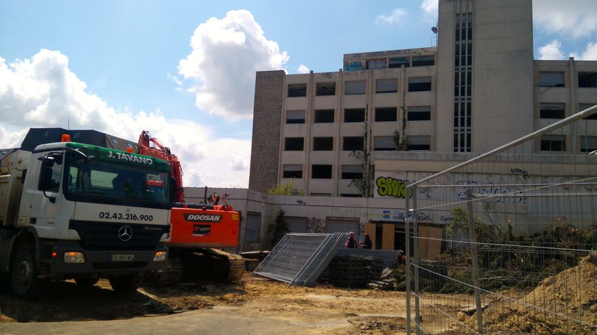 Les ouvriers ont attaqué la mise en sécurité du site, à l'abandon depuis 2008