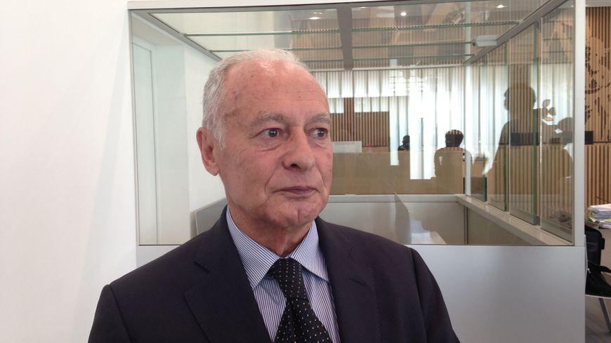 Joël Martinez, ancien directeur du CHU de Caen, au tribunal.
