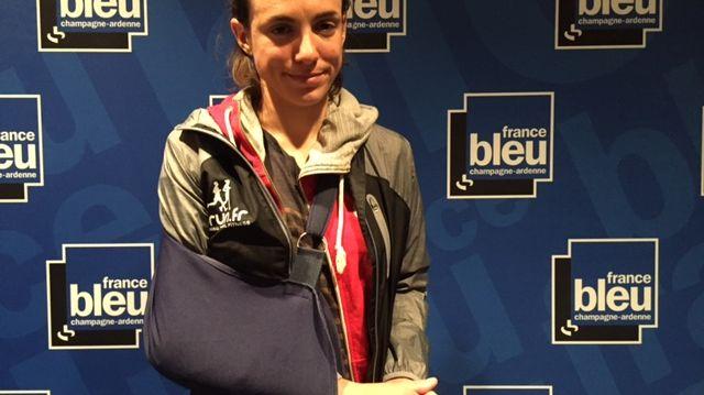 Anaïs Dechamps a été agressée, elle souffre d'une fracture au coude.