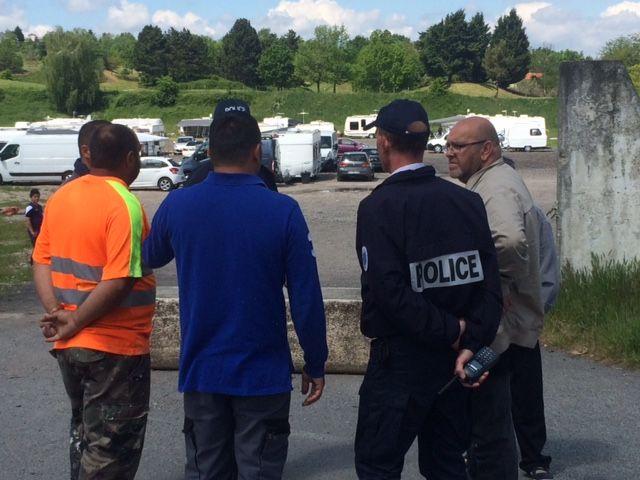 Les autorités étaient présentes... mais aucune expulsion n'a eu lieu.
