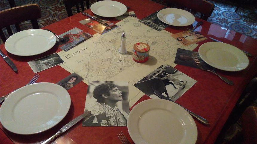 La table des matadors au restaurant Nicolas de Nîmes.