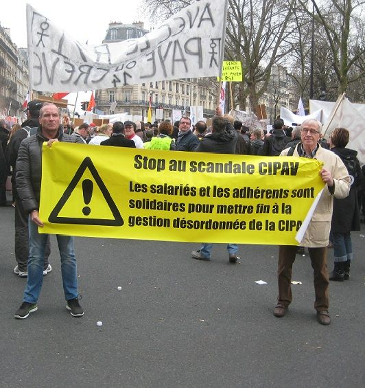 Manifestation contre la CIPAV à Paris