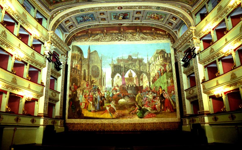 La scene du theatre Pergolese de Jesi