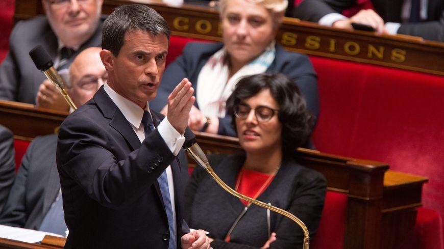 Manuels Valls lors de l'annonce du recours au 49.3, le 10 mai 2016