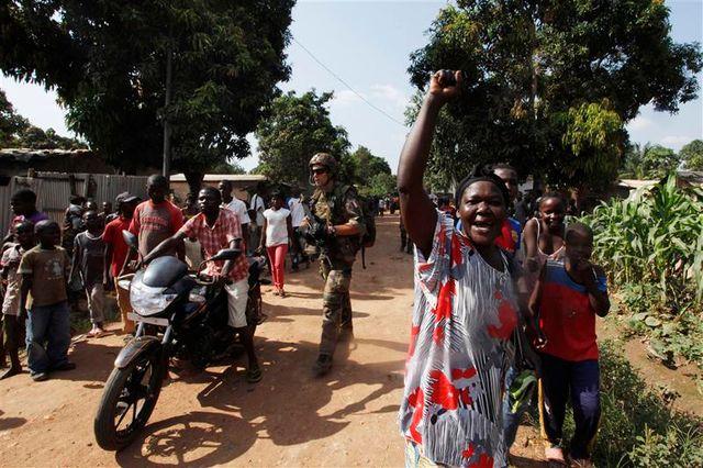 l'armée française assure que la population de bangui n'est plus menacée