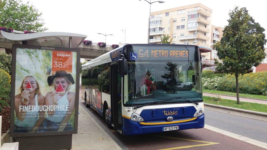 Aujourd'hui les bus Tisséo et les bus de la ville cohabitent à Colomiers