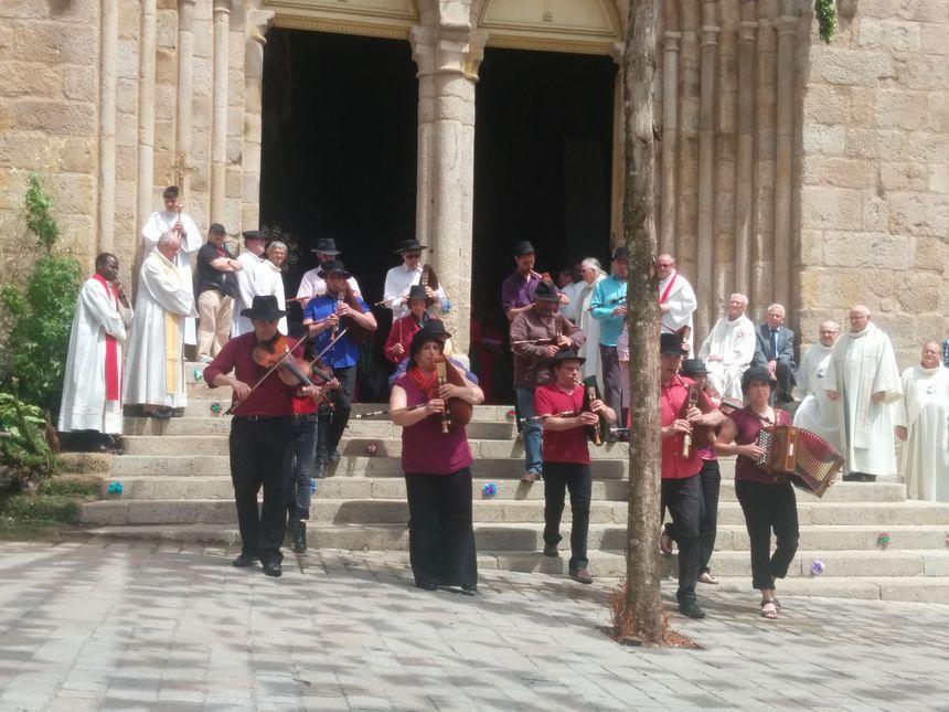 La musique, très présente durant les Ostensions.