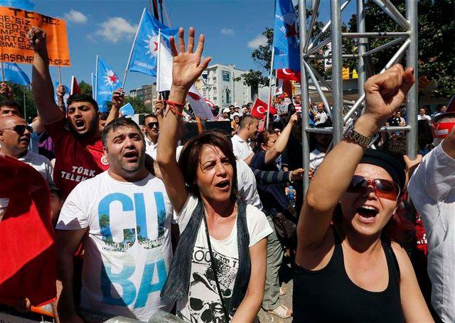 les contestataires turcs remobilisent à istanbul