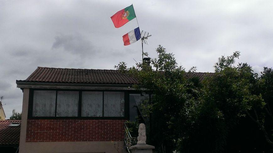 La maison d'un supporter d'origine portugaise au Palais sur Vienne
