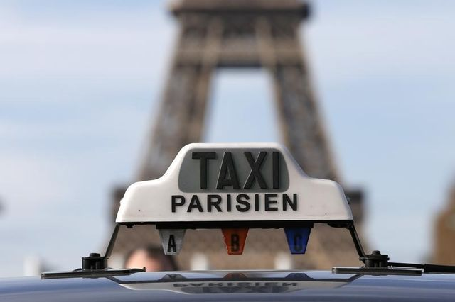 les députés tentent d'apaiser le conflit entre les taxis et les vtc