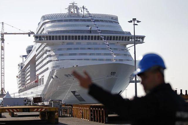 arnaud montebourg assure vouloir défendre la pérénnité des chantiers navals de saint-nazaire