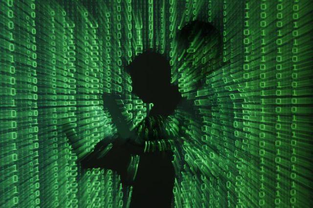 la france présente son pacte de cyberdéfense