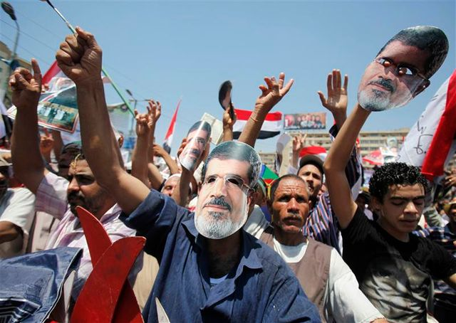 mohamed morsi accusé de meurtre et d'enlèvement par le pouvoir égyptien