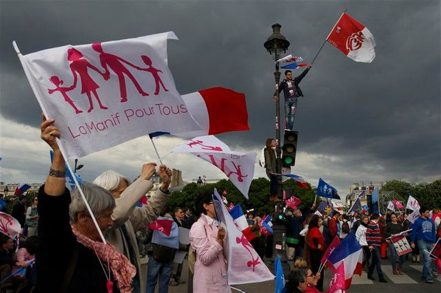 les anti-mariage gay défilent à paris
