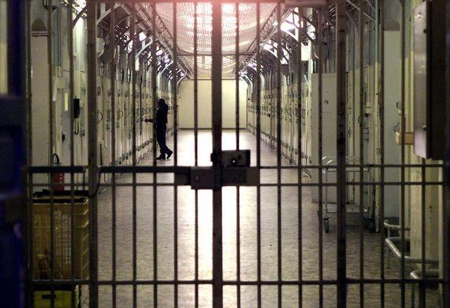 christiane taubira dénonce le laxisme de la droite sur les prisons