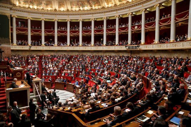 plus de 200 députés appellent au rassemblement derrière françois hollande