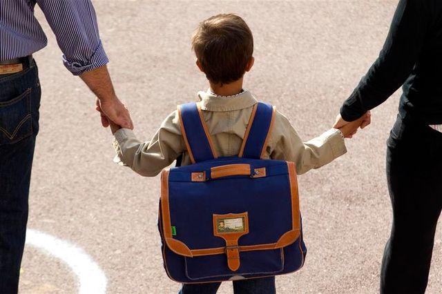 jean-marc ayrault assure que le gouvernement va poursuivre la réforme de la famille